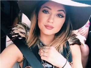 kylie-jenner-lip-injections